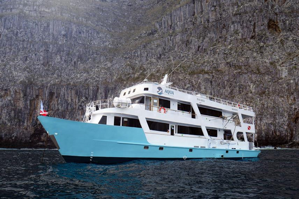 Aqua liveaboard review - Galapagos liveaboard large