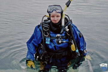 Does a dry suit keep you dry