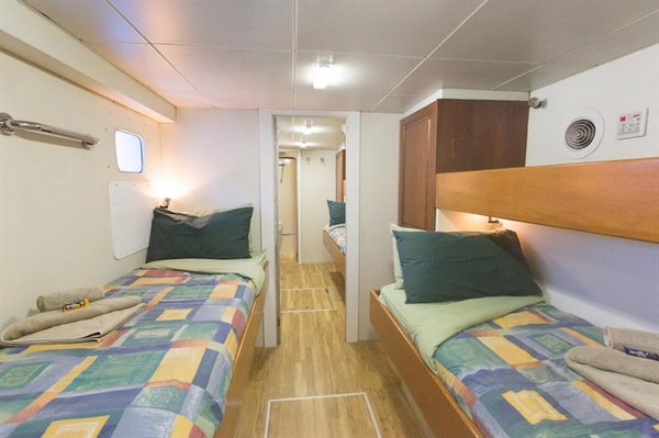 Odyssey liveaboard sharing cabin with single beds