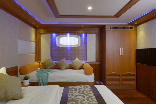 Features of Maldives Blue Force One liveaboard cabin review