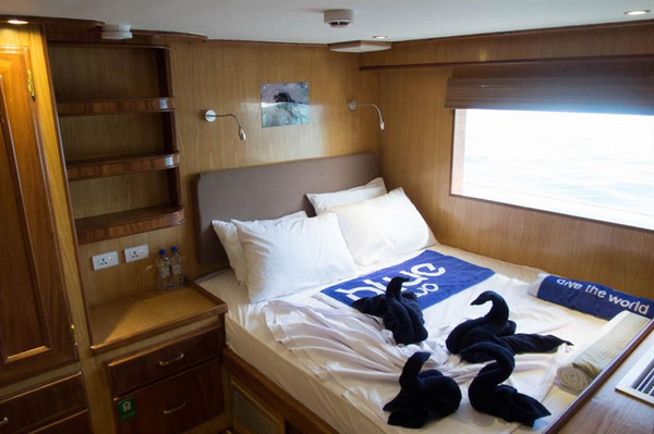 Features of Maldives Blue Voyager liveaboard cabin review