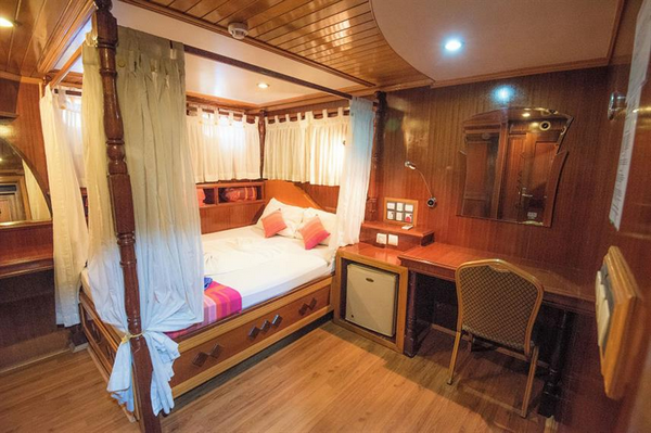 Features of Maldives Princess Dhonkamana liveaboard cabin review