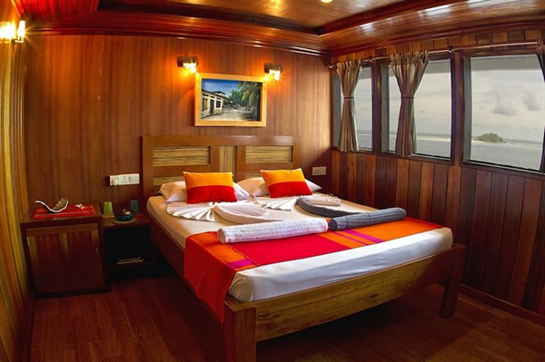 Features of Maldives Princess Rani liveaboard cabin review