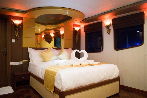 Features of Maldives Princess Sara liveaboard cabin review