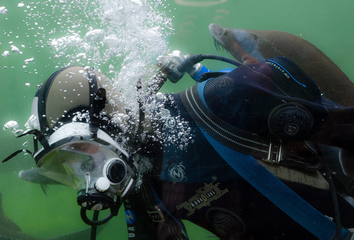 How Do You Vent Air From Your Drysuit While Underwater?