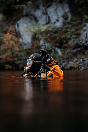 How Tight Should A Drysuit Be? With a dry suit fitting guide