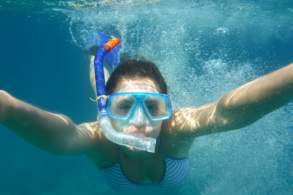 How does a snorkel work underwater