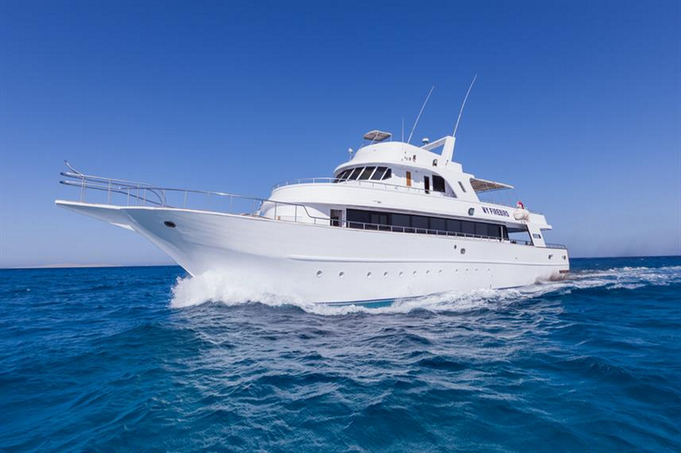 Red Sea Liveaboard Dive Boats Table