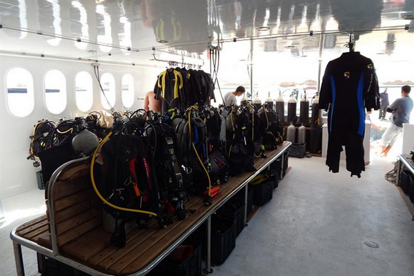 Review of budget Red Sea liveaboard MY JP Marine - Best affordable Red Sea liveaboard