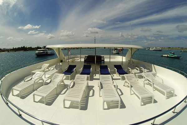 Review of the Sachika Liveaboard - cheap luxury Maldives diving