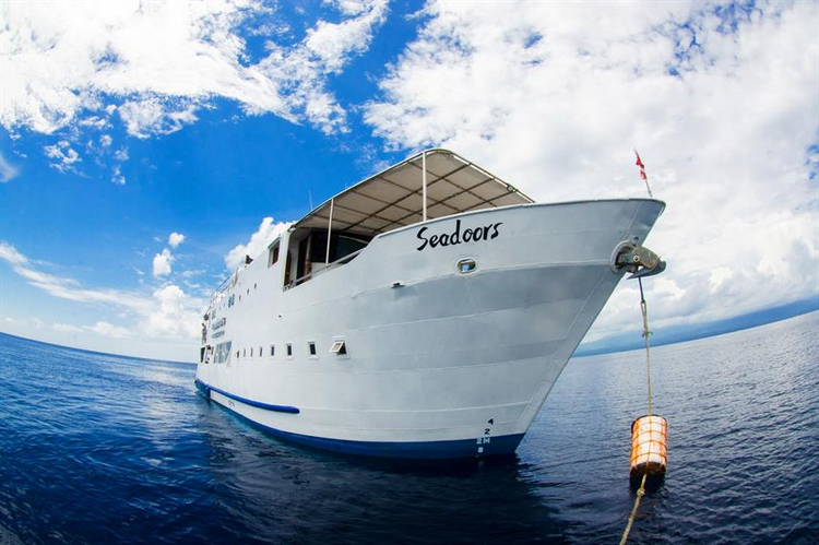 Seadoors, Philippines liveaboard - 8.7 out of 10, 4.5 stars and Fabulous