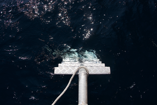 Using a ladder in windy and rough sea conditions